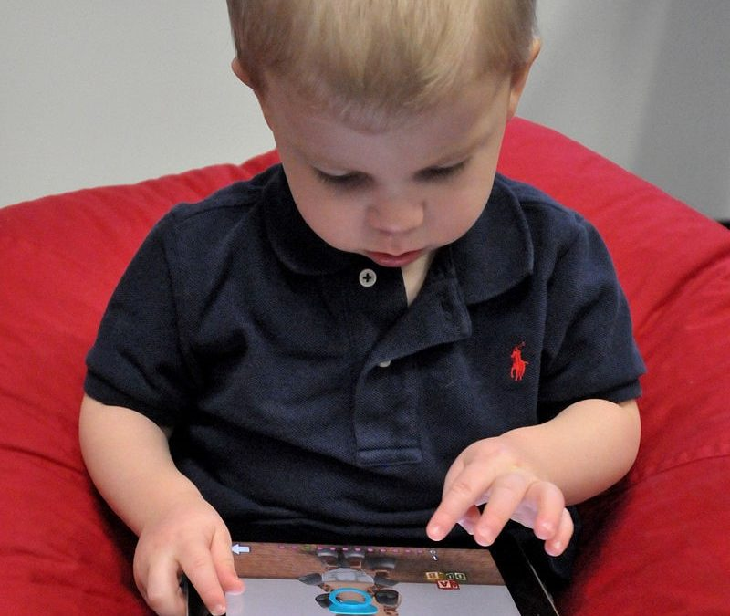 Children and devices – The Elite Nanny Company guide